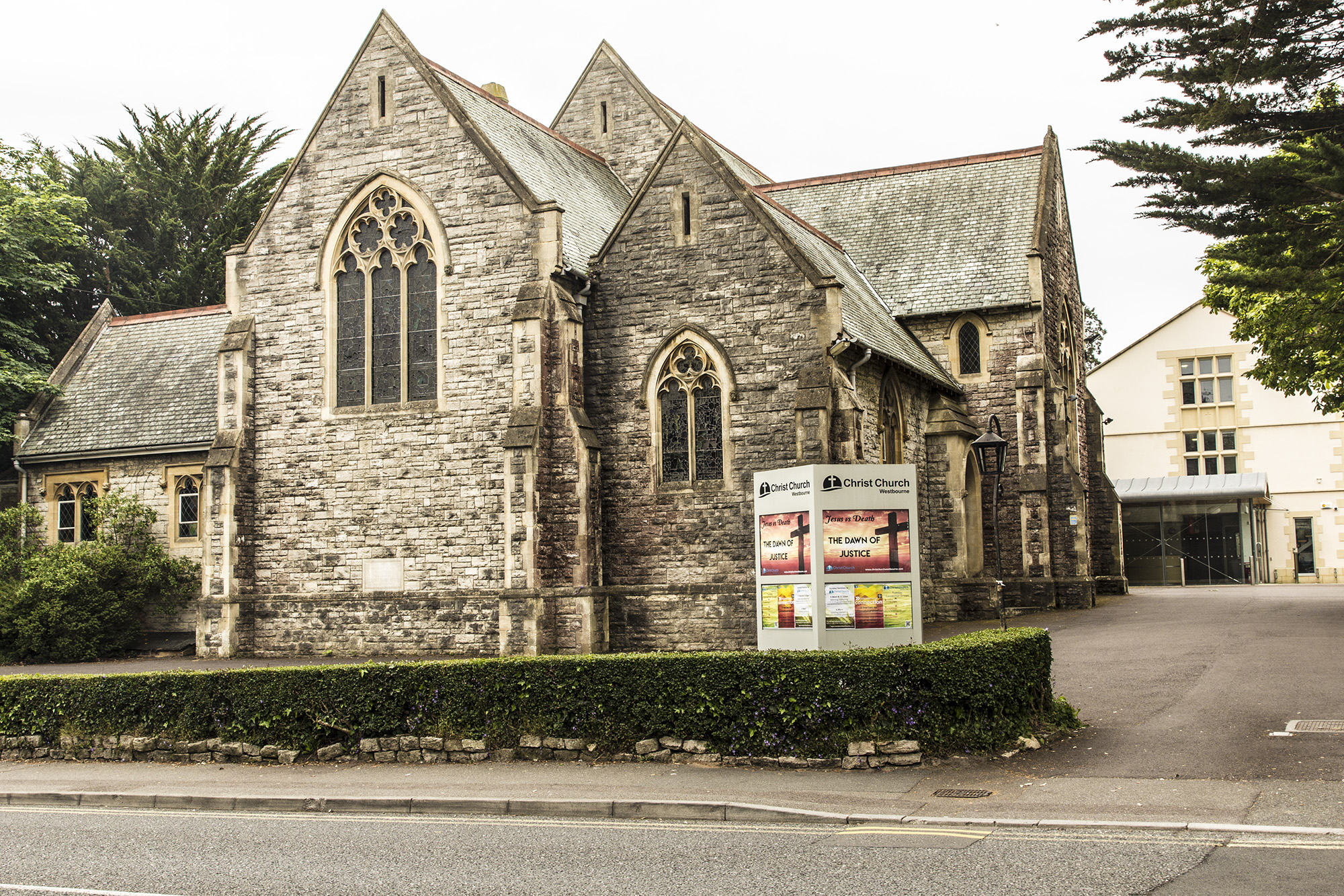 Christ Church, Alumhurst Road