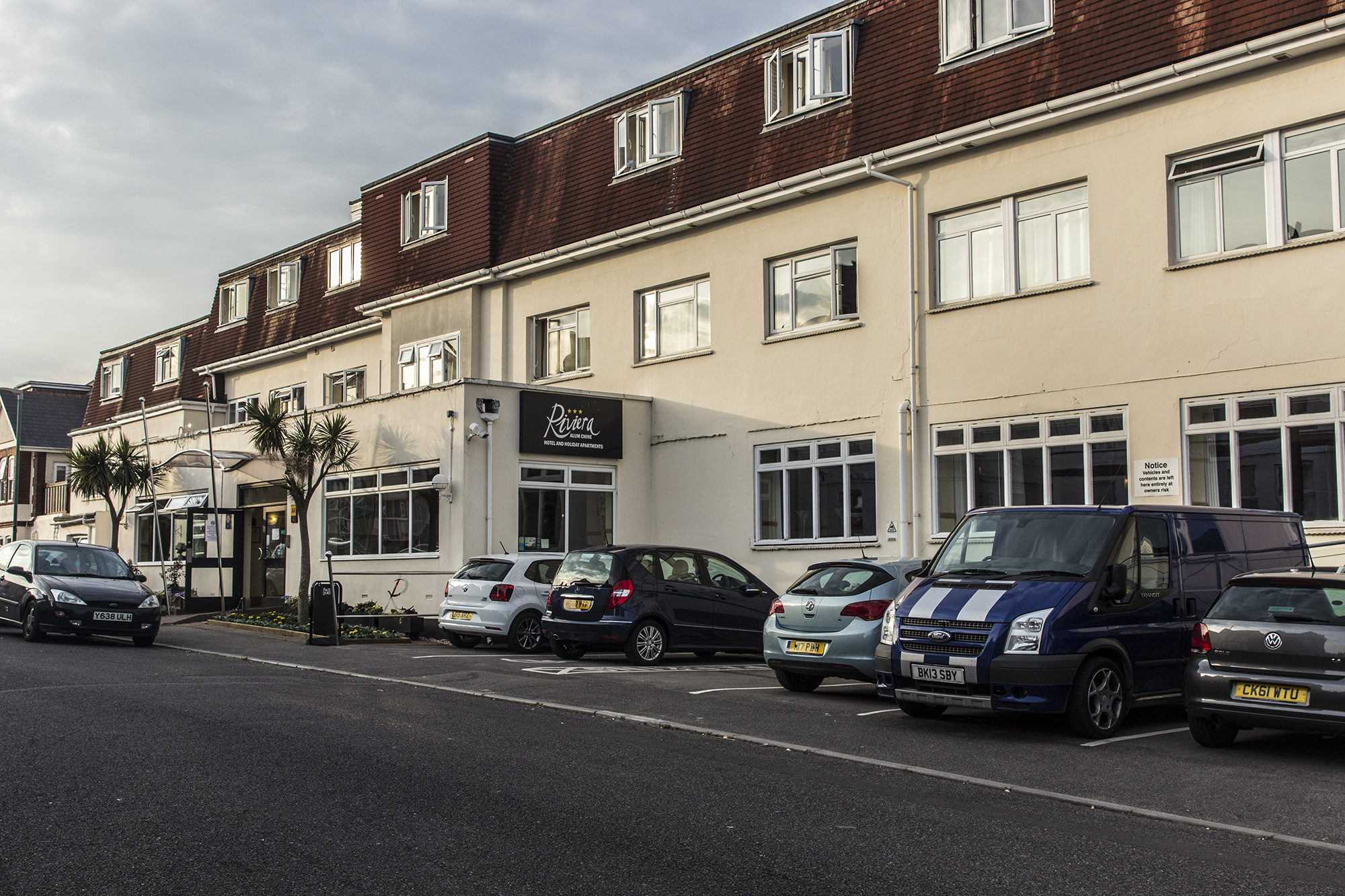 Holiday Accommodation in Westbourne.Riviera Hotel and Apartments, Burnaby Road.