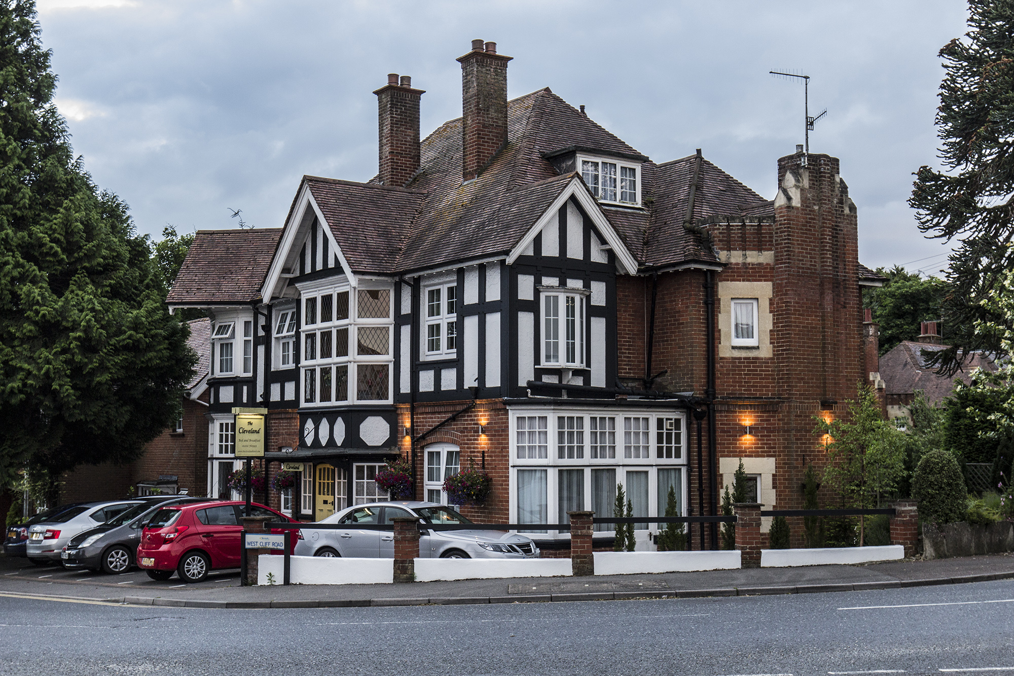 Holiday Accommodation in Westbourne. The Cleveland Hotel. West Cliff Road, Westbourne.